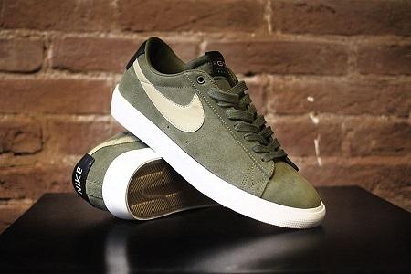 Brown Mantis Nike Shoes