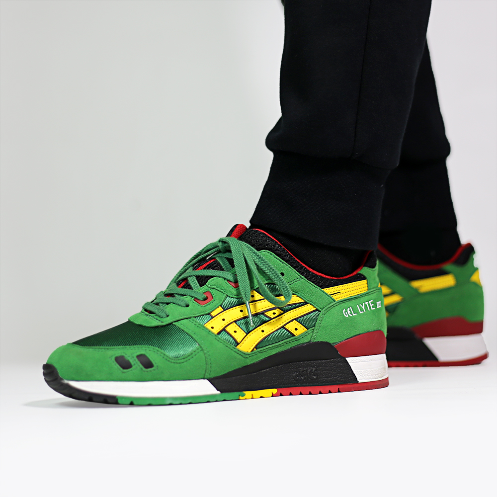 asics_gel_lyte_iii_green_yellow_h514n-8404_on_feet_14