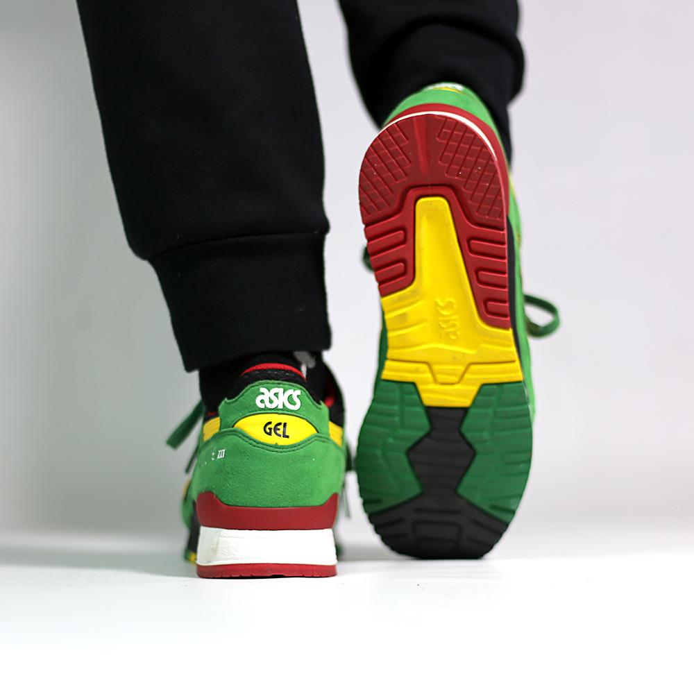 asics_gel_lyte_iii_green_yellow_h514n-8404_on_feet_2