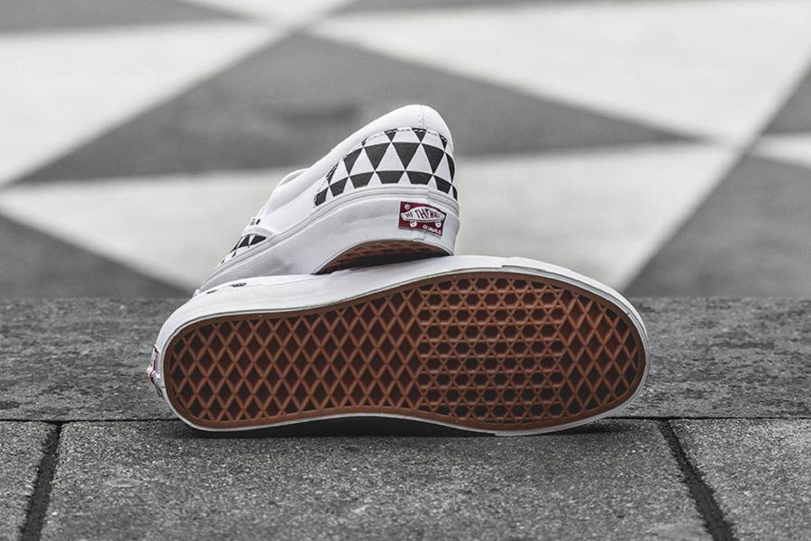 k-Sneakersnstuff-Vans-OGSlipOn-Stockholm-4