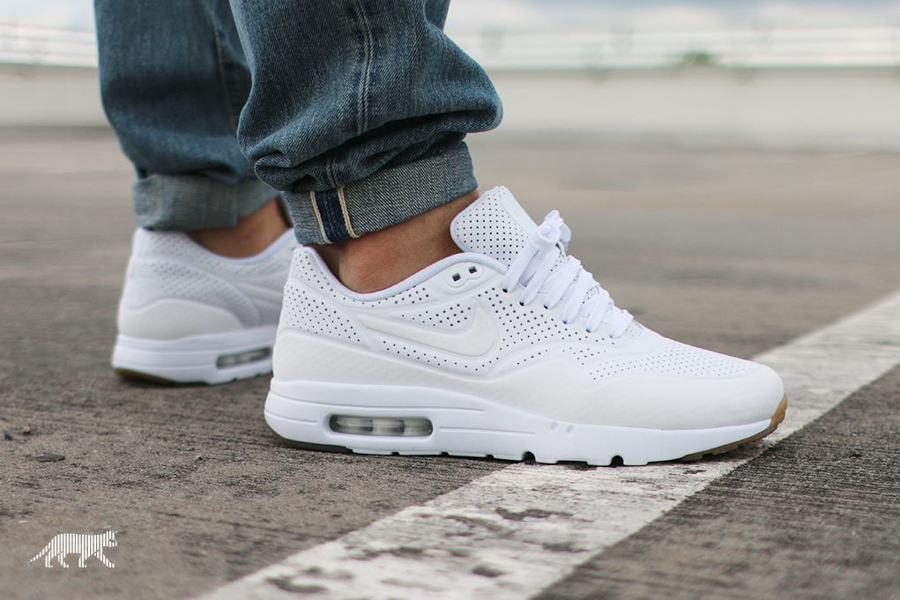 chaussures de séparation ca847 b40f0 NIKE AIR MAX 1 ULTRA MOIRE (WHITE-WHITE)NIKE AIR MAX 1 ULTRA ...