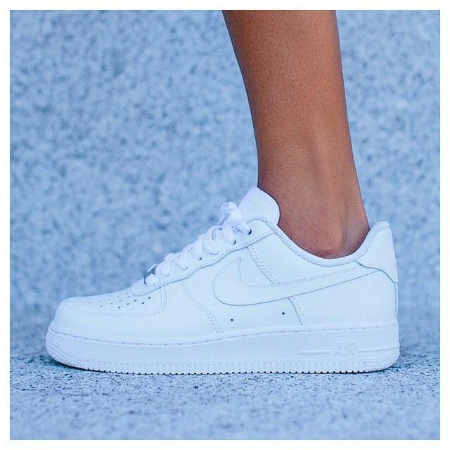sneakersntuff