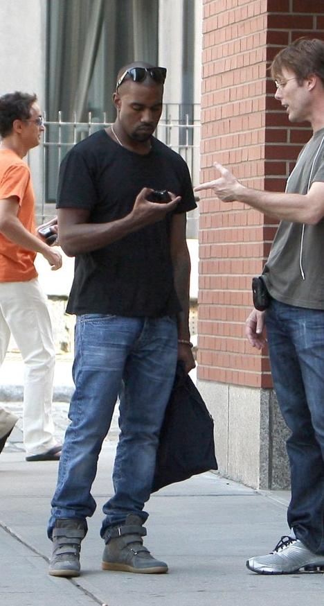 Kanye-West-MMM-sneakers5