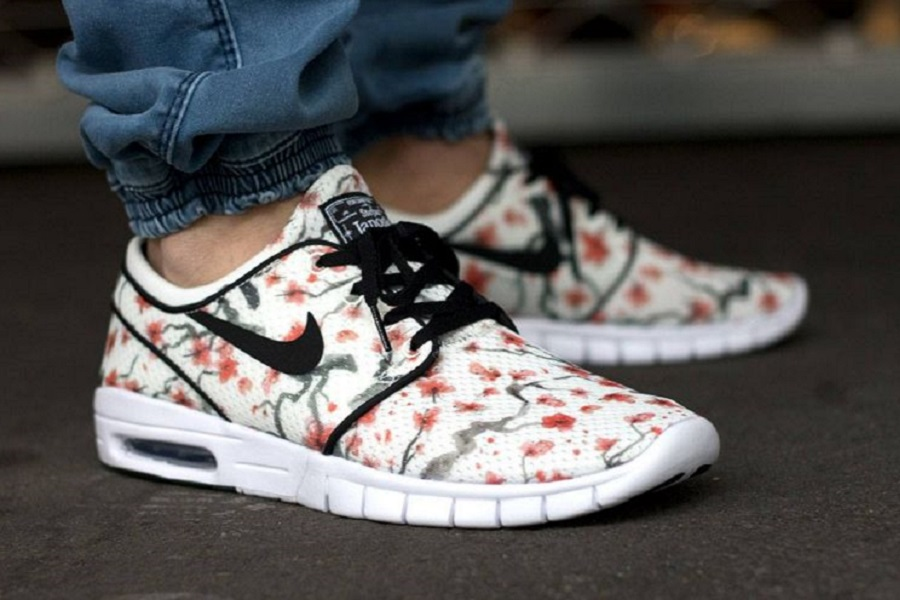 nike sb cherry blossom pack available. Black Bedroom Furniture Sets. Home Design Ideas