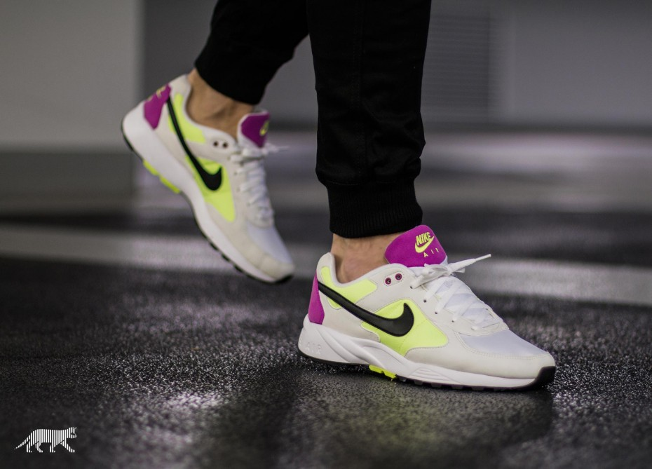 nike-air-icarus---sail-volt-purple-1
