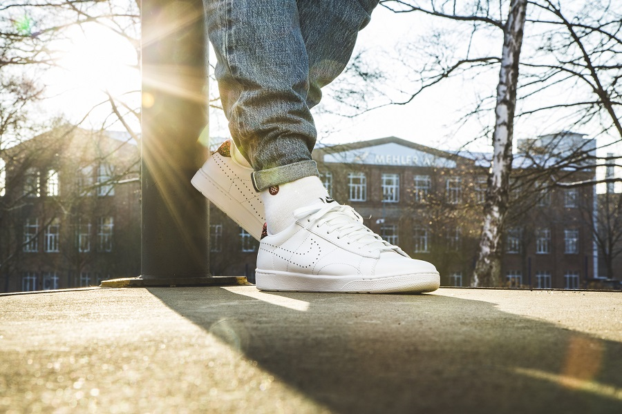 """brand new 80c42 826a7 Nike Tennis Classic Ultra Leather """"Hot Lava"""" Release Info"""