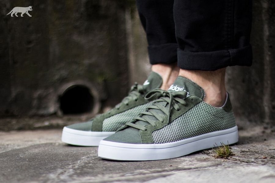 huge selection of 06e49 2b16e Green Mesh Is Used On This adidas Court Vantage