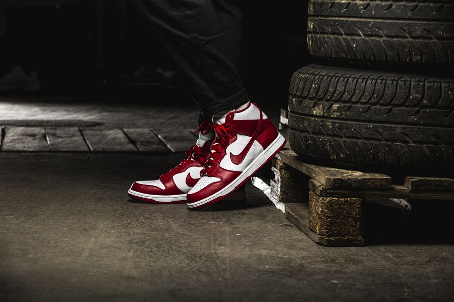 k-nike-dunk-retro-qs-rot-weiss-850477-102-mood-1