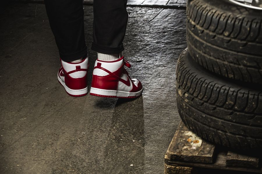 k-nike-dunk-retro-qs-rot-weiss-850477-102-mood-3