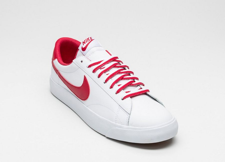 invicto x disponible super popular Nike Tennis Classic AC Available In Two New Colorways Now