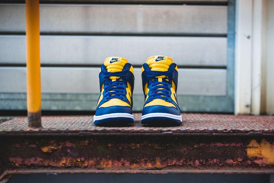 k-nike-dunk-retro-qs-gelb-blau-850477-700-mood-2