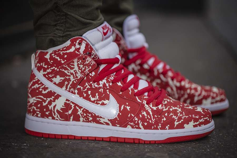 "Nike Dunk High Premium SB - The ""Raw Meat"" Is Released"