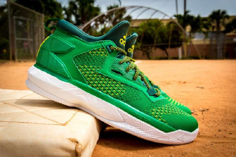 super popular c5ad7 e8b1c The adidas D Lillard 2 Pays Homage To The Oakland A s