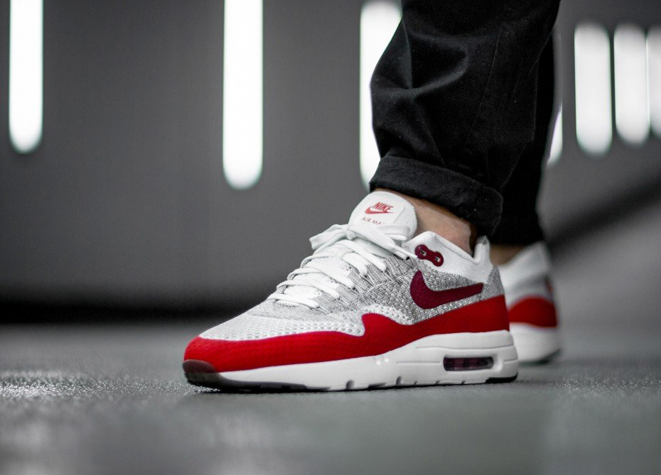 LIGHTEN UP: Nike Air Max 1 Ultra Flyknit