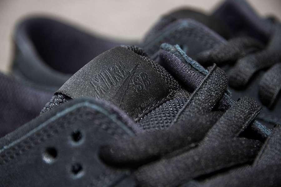 k-Nike-SB-Dunk-Low-Pro-IW-Black-Black-Gum-d3