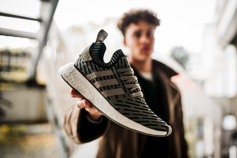 adidas_nmd_r2_mens_paris_knucklerkane-8