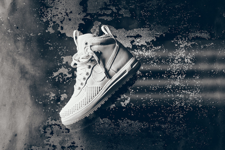 nike_lunar_force_1_duckboot_white_white_ice_1-6
