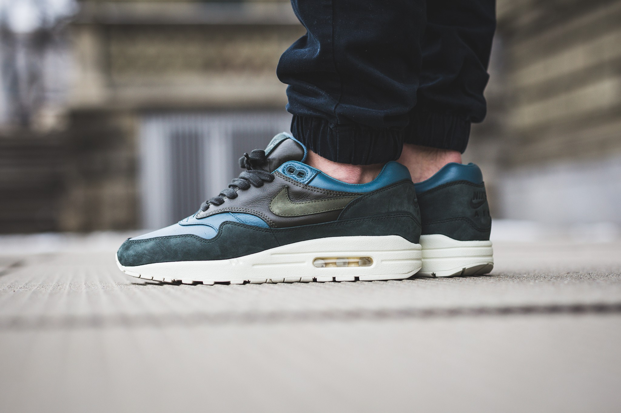 "the best attitude 5fc7c 38c59 On Feet Look Nike Air Max 1 ""Pinnacle"" Pack"