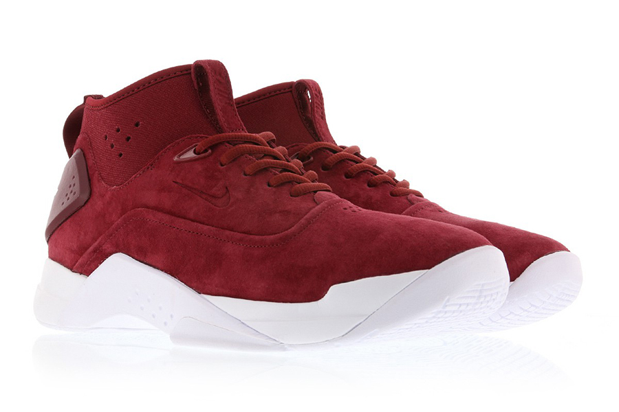 a66b5806819 The new Nike Hyperdunk Low Craft is now available at select retailers  including Titolo. Images via Titolo.