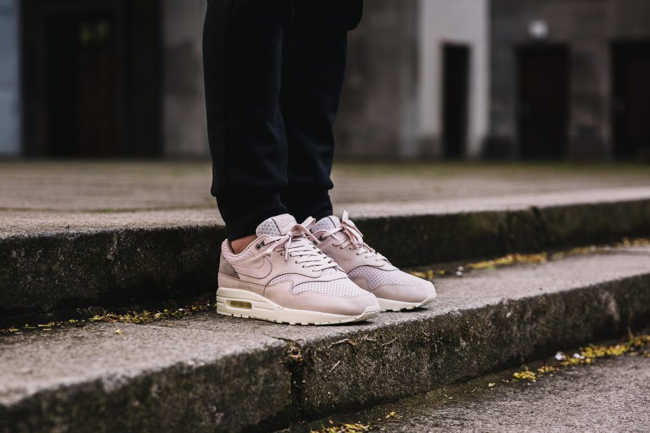 a335724ace536 NikeLab Air Max 1 Pinnacle