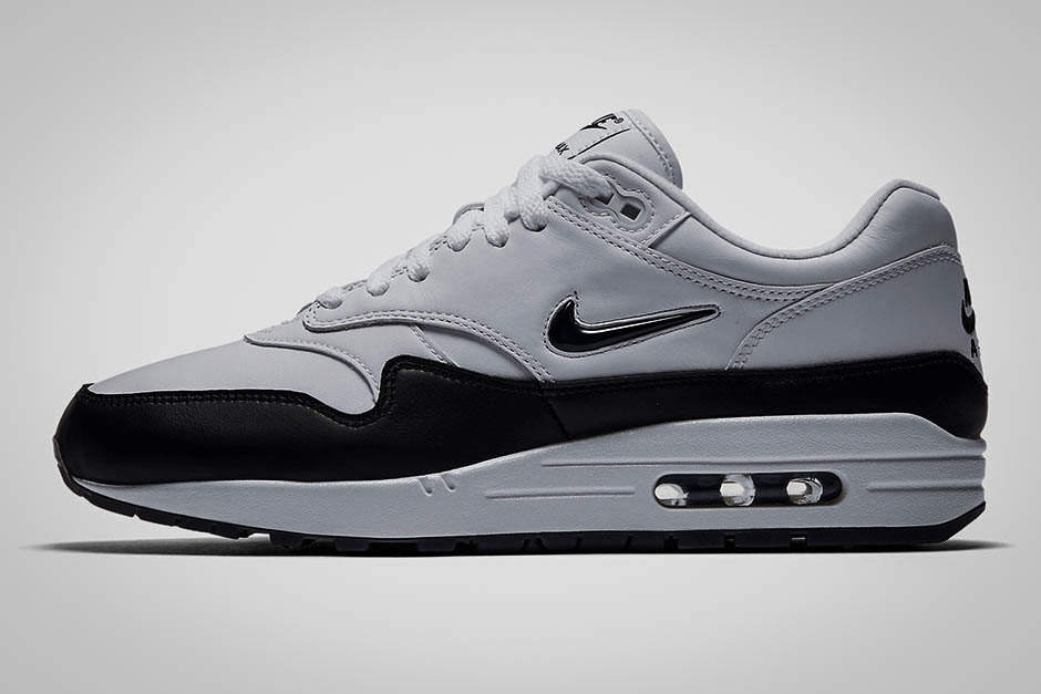 "cfb1abbda0d0 A Better Look at the Nike Air Max 1 Premium SC ""Jewel"" White Black"
