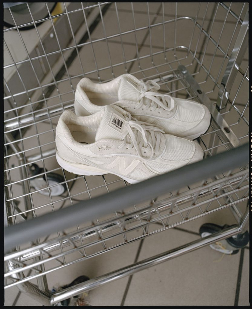Stüssy x New Balance 990v4 - Editorial shopping cart