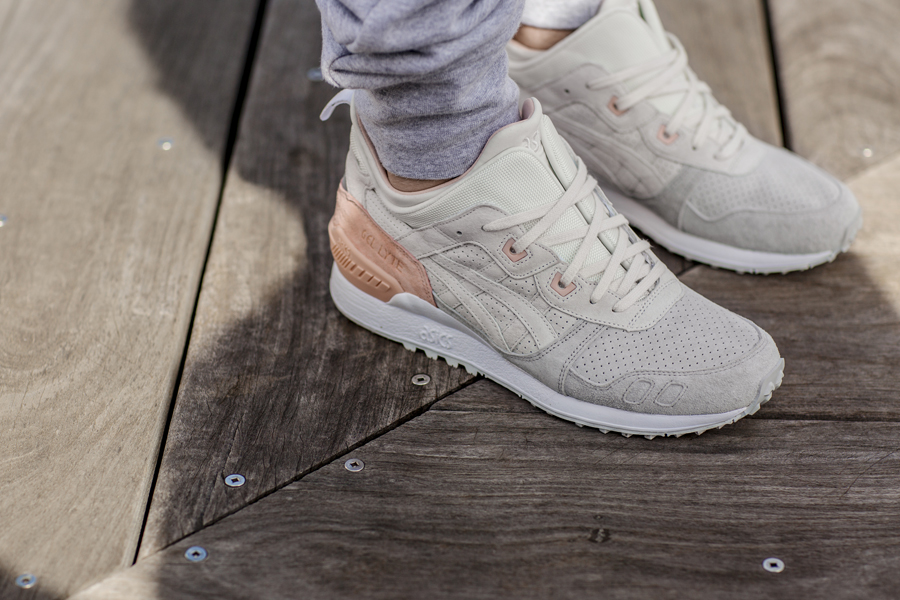 ASICS TIGER GEL-LYTE MT (Cream) - On feet