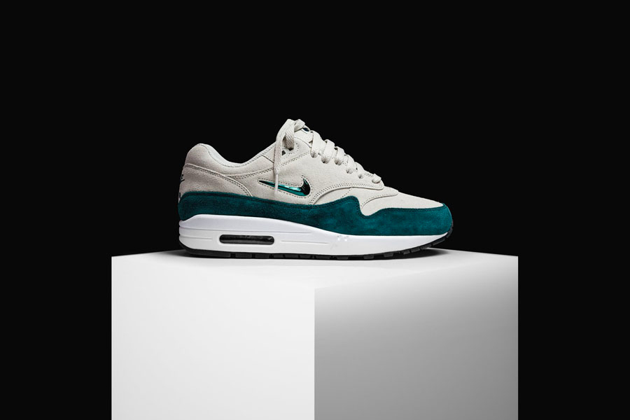 Nike Air Max 1 Jewel Atomic Teal (Side)