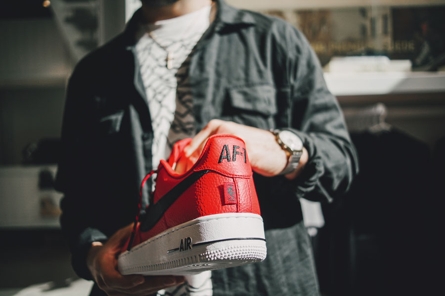 sizetenplease a.k.a. Massimo Taylor – Air Force 1 | Sneakers