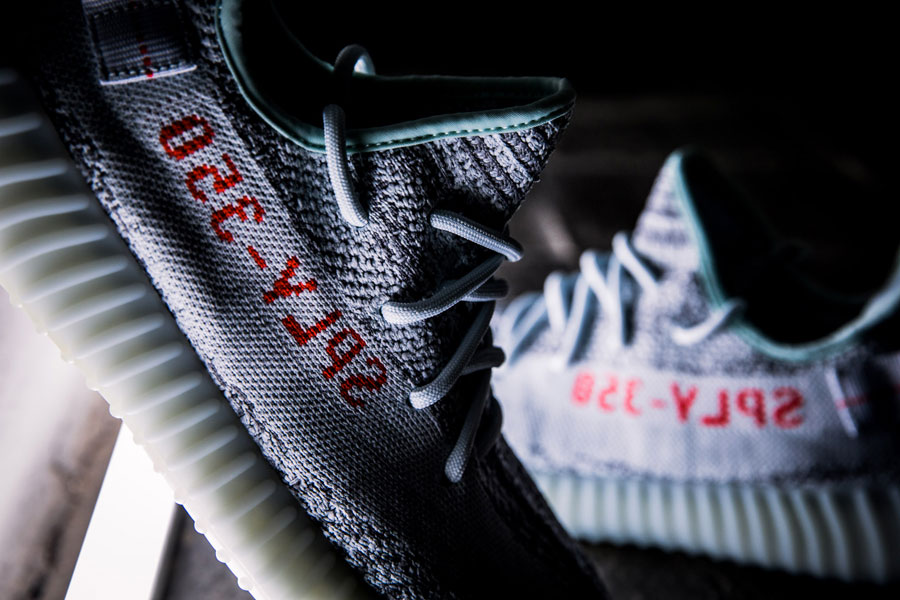 adidas YEEZY BOOST 350 v2 Blue Tint - Laces