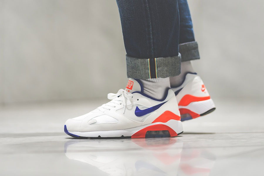 Nike Air max 180 OG (615287-100) - On feet (Side)