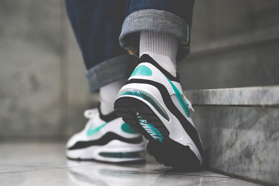 Nike Air Max 93 OG Dusty Cactus (306551-107) - On feet (Back)