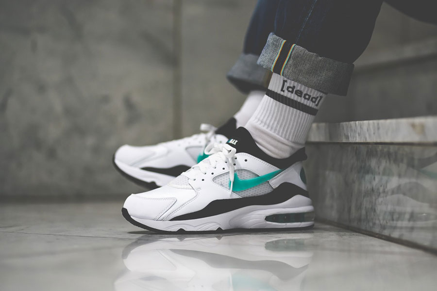 Nike Air Max 93 OG Dusty Cactus (306551-107) - On feet (Side)