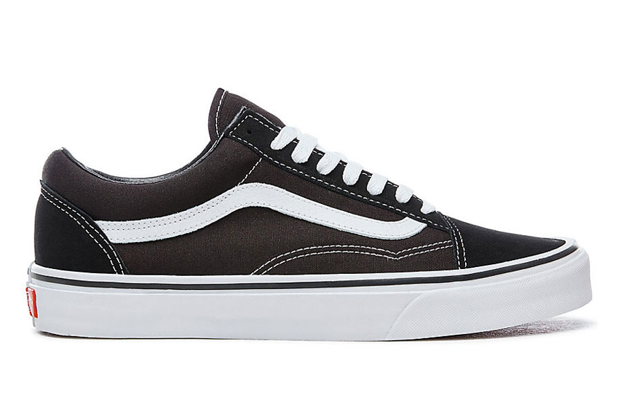 5 Sneakers We Don't Want to See Anymore in 2018 - VANS Old Skool Black (VD3HY28)