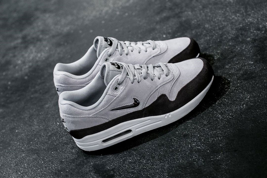 Sneakers for Less Than 100 € - Nike Air Max 1 Premium SC Jewel (Grey)