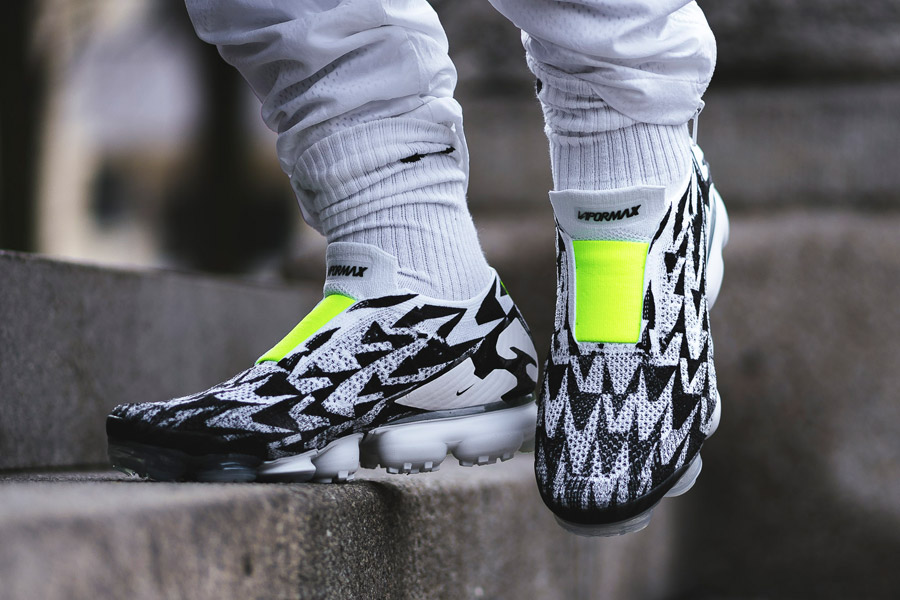 Acronym x Nike Air VaporMax MOC (AQ0996-001) - On feet