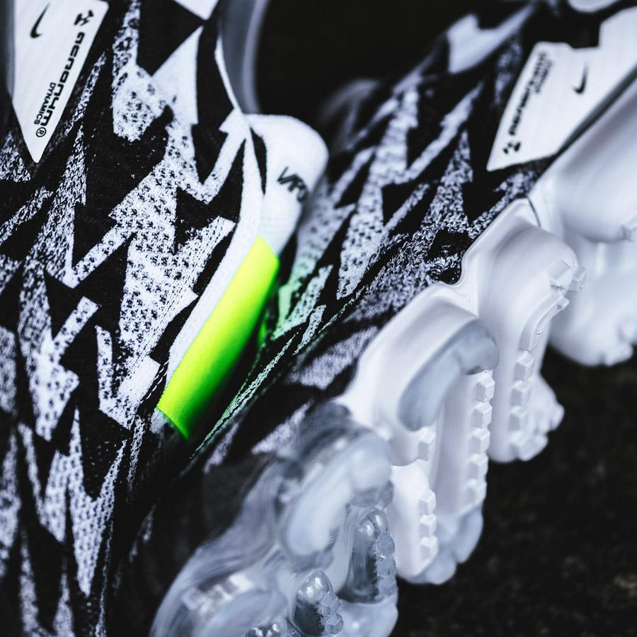 Acronym x Nike Air VaporMax MOC (AQ0996-001) - Upper