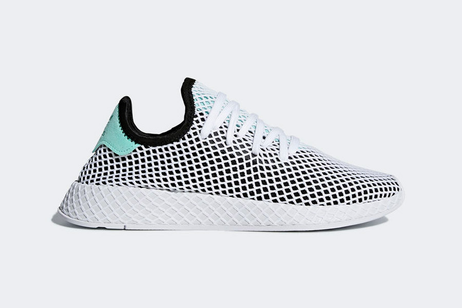 adidas Deerupt (B28076 Core Black Easy Green Ftwr White) - Side