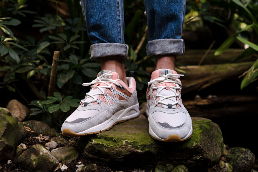 Karhu Linnut Pack Fusion 2 0 (F804029 - Lunar Rock Muted Clay) - On feet (Front)