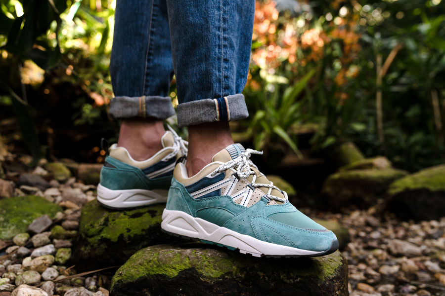 Karhu Linnut Pack Fusion 2 0 (F804031 - Mineral Blue Pale Khaki) - On feet