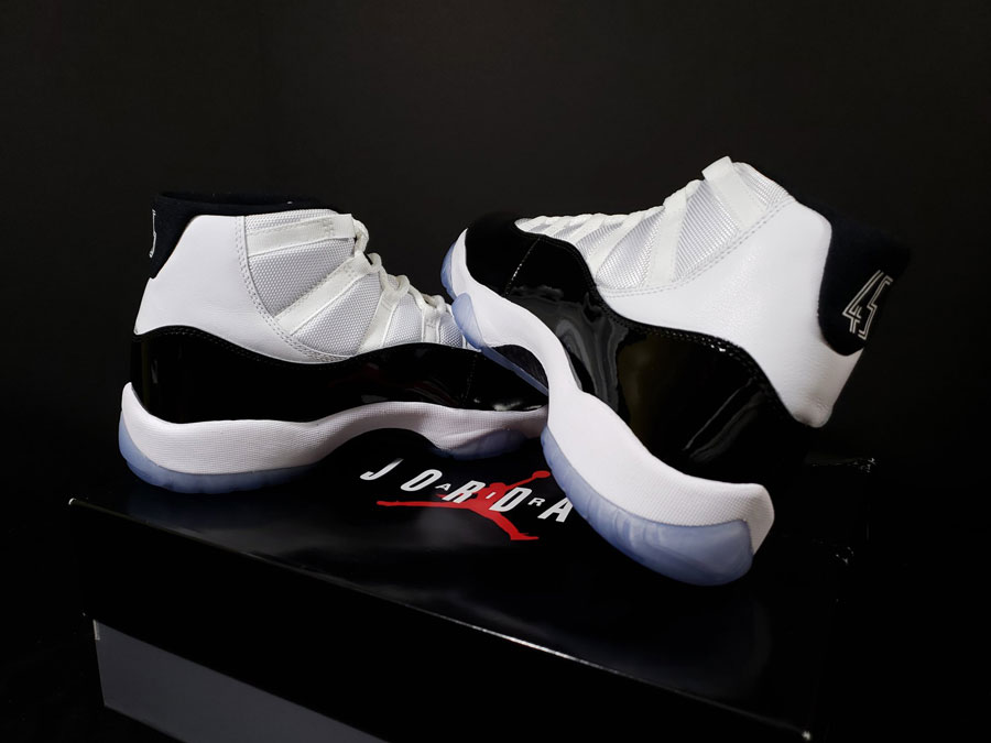 Nike Air Jordan 11 Concord Retro (378037-100) - Mood 4