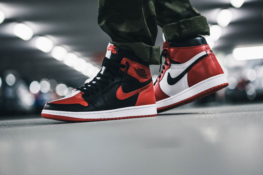Air Jordan 1 Homage To Home (861428-061) - On feet (Side)