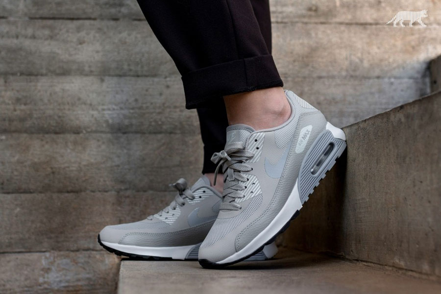 10 Nike Air Max Sneakers for Less Than 100 - Nike WMNS Air Max 90 Ultra 2.0