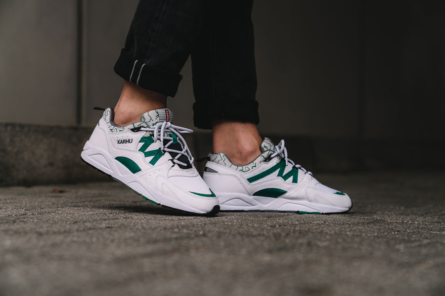 Karhu Fusion 2.0 OG White Ultramarine Green (F804034) - On feet