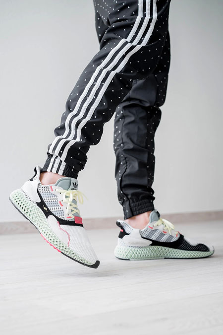 buy online f423b b138e adidas ZX 4000 4D Futurecraft (B42203) - On feet (Right)