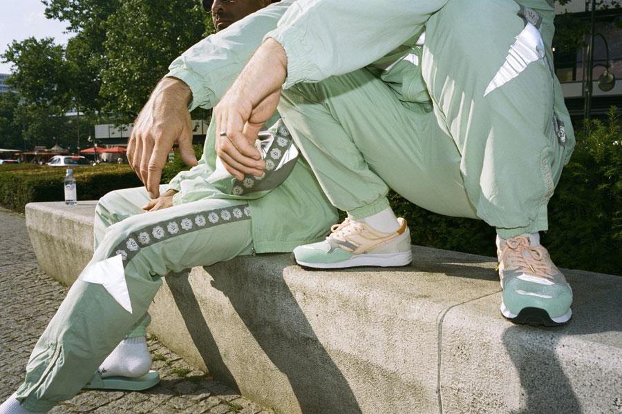 Highsnobiety x Diadora N9002 - Taktloss Frauenarzt (On feet)