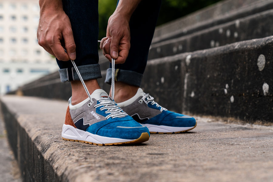 Karhu Legend Track Field Pack - Aria (Burnt Ochre Mykonos Blue) - On feet (Laces)