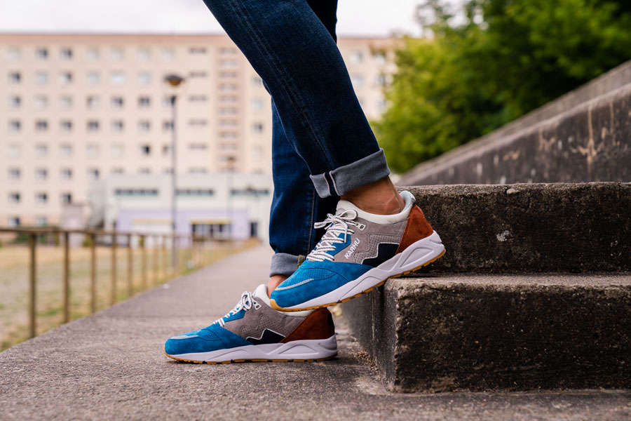 Karhu Legend Track Field Pack - Aria (Burnt Ochre Mykonos Blue) - On feet