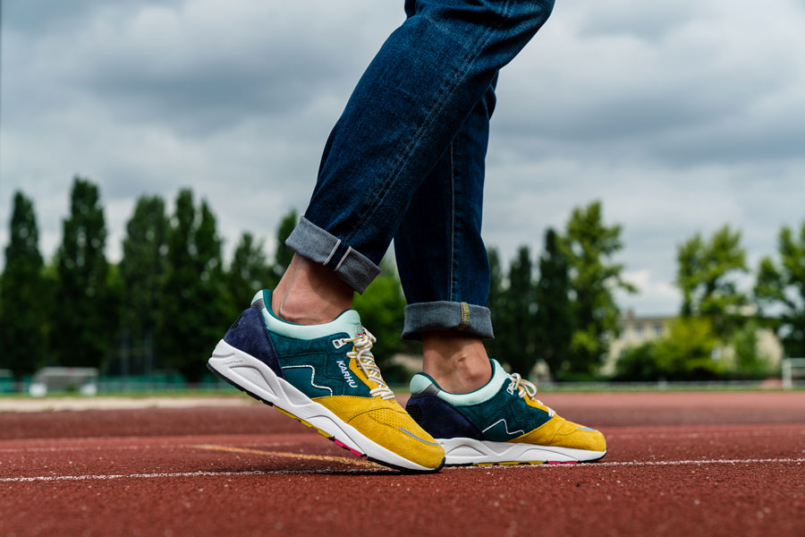 Karhu Legend Track Field Pack - Aria (June Bug Green Sulphur) - On feet (Side)