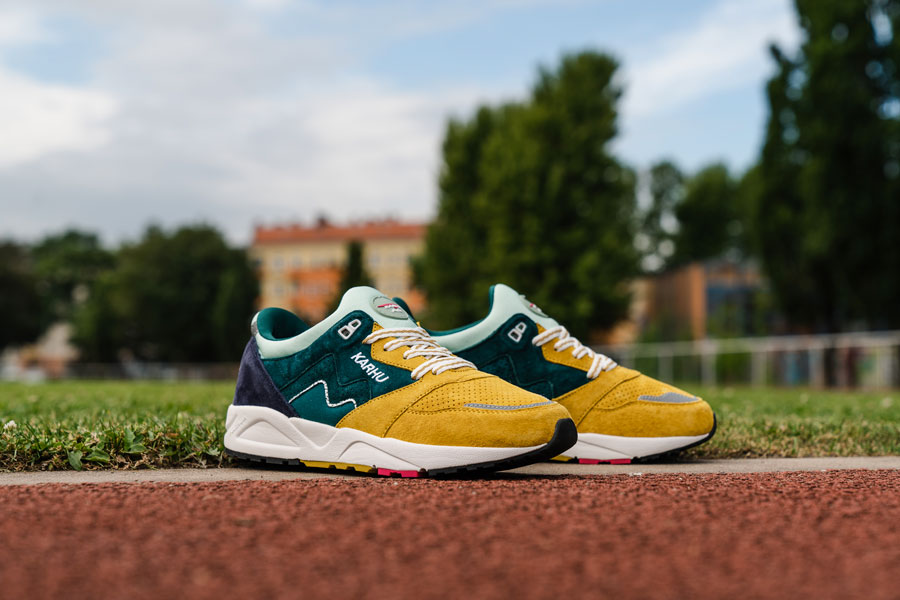 Karhu Legend Track Field Pack - Aria (June Bug Green Sulphur)